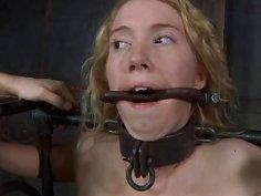 Bizarre torture excites hottie