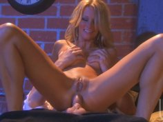 Gorgeous blonde tramp Jessica Drake takes it up her tight butthole